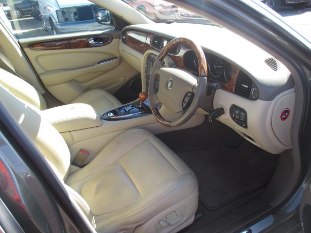 2005年 ジャガーXJ8